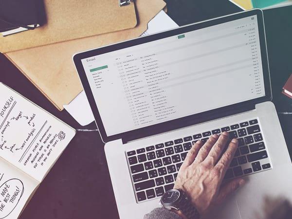 Làm Gì Khi Email Bị Gửi Vào Spam?
