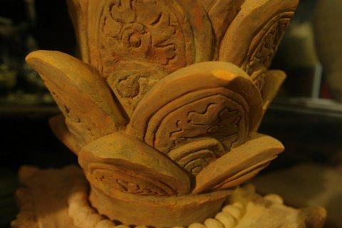 Ngắm bộ sưu tập hoa sen trên gốm độc đáo