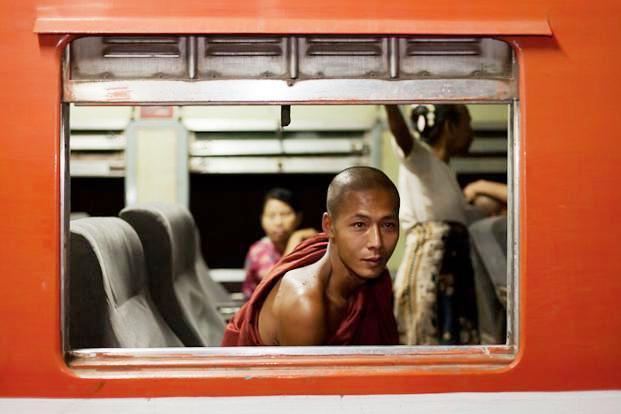 Sắc màu Phật giáo