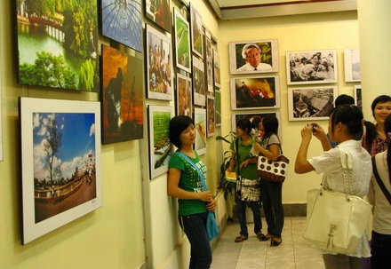 Hà Nội: Triển lãm 1.000 bức ảnh về thành phố 1.000 năm