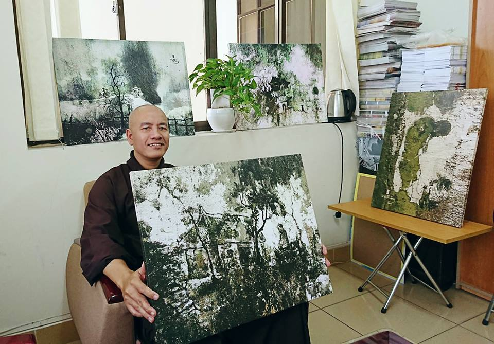 """""""Nghệ thuật từ bức tường rêu""""    của thầy Nhuận Thường"""