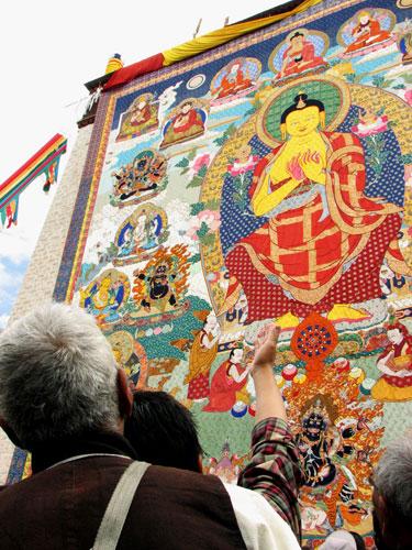 Ban hành quy chuẩn cho tranh truyền thống Phật giáo