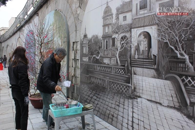 Ngắm chùa Báo Ân trên tranh bích họa ở Hà Nội