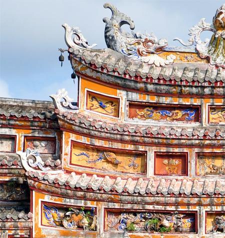 Hình ảnh điêu khắc trong kiến trúc Huế
