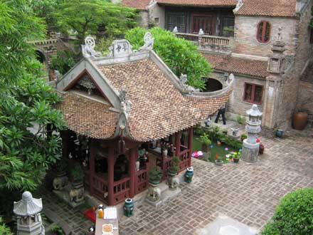 Hương sắc Sen ở Việt Phủ Thành Chương