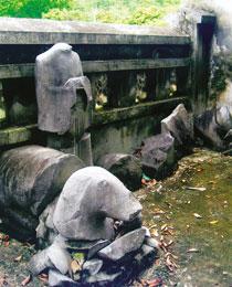 Cụm di tích lịch sử văn hoá đền thờ và lăng miếu vua Trần: Cần một biện pháp bảo vệ tổng thể