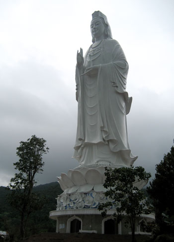 Tượng Phật Quan Âm cao nhất Việt Nam sắp khánh thành