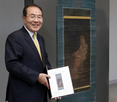 Mua tranh Quan Âm 2,2 triệu USD rồi hiến cho bảo tàng