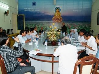 Đà Nẵng: Chuẩn bị triển lãm ảnh nghệ thuật Kính mừng Phật đản 2011